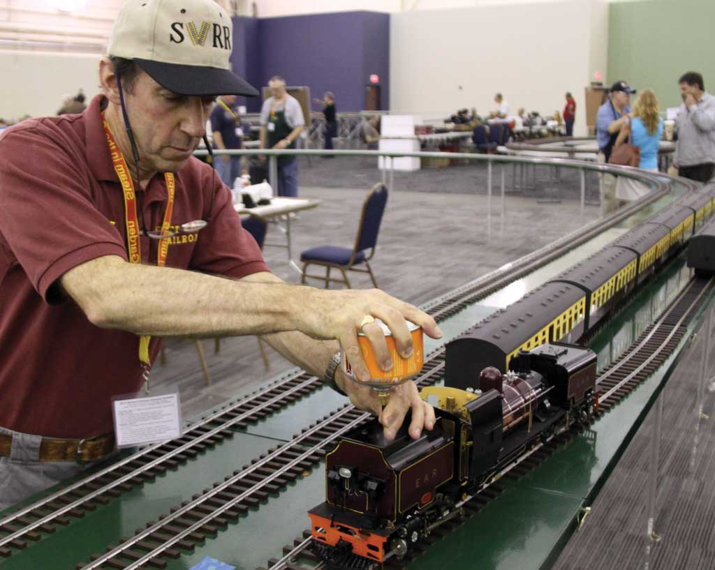 Pete Comley adds a little more gas to his East African Railways Garratt on the Triple R Services/Llagas Creek Railway layout.